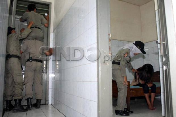 Busyet!  Nyaris Bungil di Kamar Hotel, 3 WNA Pencari Suaka Plus 2 Perempuan Indonesia Digerebek Satpol PP  Jakarta