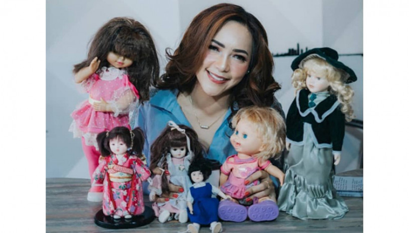Furi Harun, Selebgram  yang Memiliki Indra Ke Enam ; Datangkan Hantu Melalui Boneka Mistis