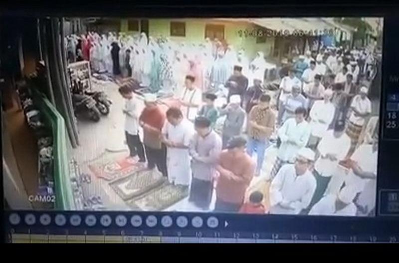 Viral di Medsos,  Sapi Lepas, Jamaah Salat Idul Adha Bubar
