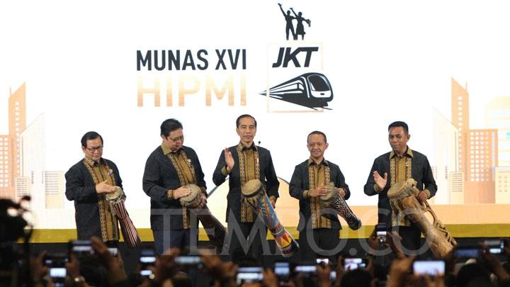 Jokowi Ingatkan Ancaman Resesi Ekonomi 1,5 Tahun Mendatang