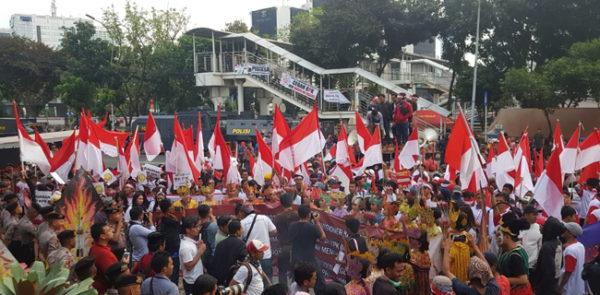 Agus Dkk Mundur Halus, Pengunjuk Rasa: Pak Jokowi, Sekalian Saja Pecat Mereka!