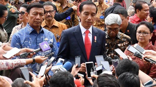 Korban Berjatuhan, Tapi Jokowi Teguh Tolak Cabut UU KPK