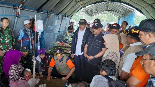 70223666202-gempa-maluku-41-orang-tewas-dan-103-ribu-masih-mengungsi-eFXzSZOyb1