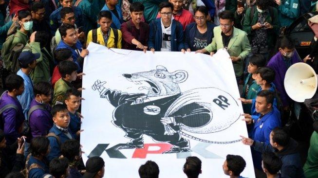 92559-ilustrasu-mahasiswa-berunjuk-rasa-tuntut-penolakan-ruu-kpk
