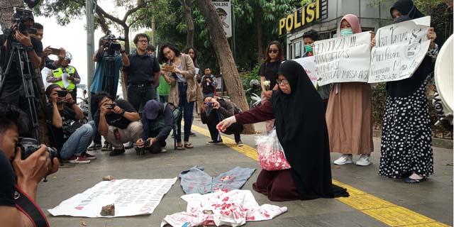 'Gerakan Emak-emak Indonesia Bersuara' Minta Jokowi Hentikan Kekerasan Pada Rakyat