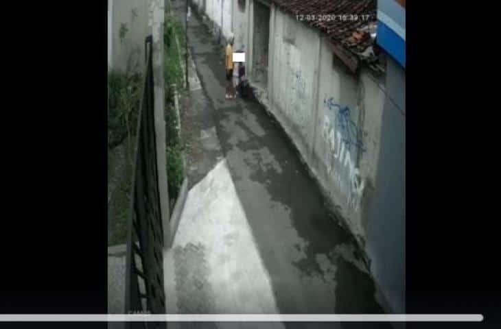 Viral Video Di Yogyakarta, Diduga Tindakan Asusila pada Bocah, Pria Ini Dikecam Netizen