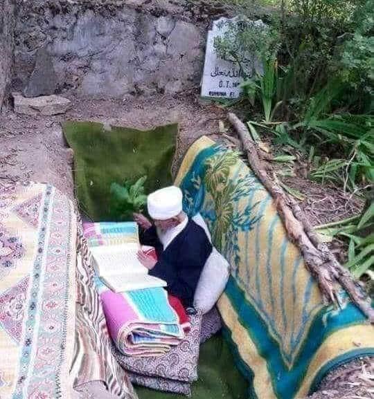 Mengapa Habib Ahmad Al-Muhdlor Khatamkan Al-Qur'an 8000 Kali di Calon Kuburannya?