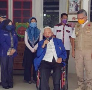 Untuk Menggerakkan Semangat Bersama, Partai Nasdem melalui Prof Awang Faroek Sumbang Masker, Jaang : Terima Kasih