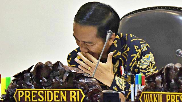 Tuai Kritik, Jokowi Bilang Kartu Pra Kerja Itu Semi-Bansos