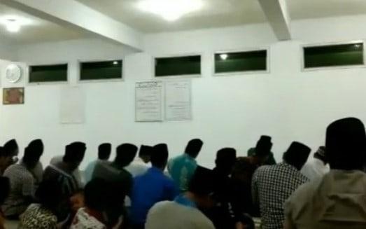 Salat Tarawih Super Cepat di Indramayu, 23 Rakaat  Cuma 6 Menit!