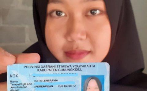 Viral,  Nama Gadis  Gunung Kidul Ini Unik ;  Diikat Tali Rafia
