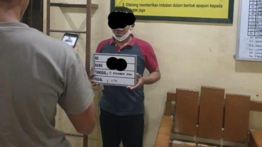 """Mantan Ketua FPI Aceh Ditangkap Gara Gara Postingan """"Polisi Siap Habisi Rakyat demi Cukong Keparat"""""""
