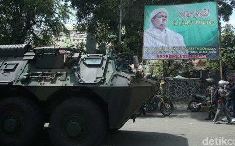 Pengamat: Pasukan Elit Kerjaannya Copoti Spanduk, Cuma Ada di Indonesia